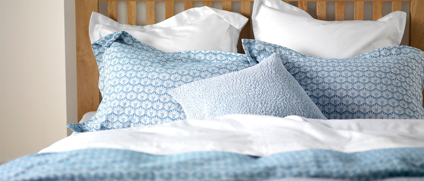 Leafy Turquoise Bedding