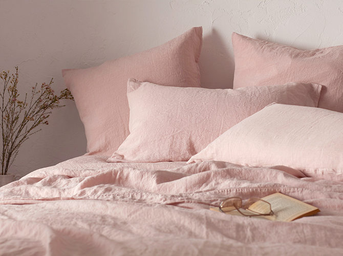 How to Pick the Perfect Colour for Your Bedroom