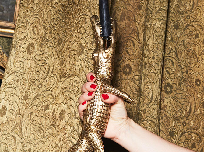 Cocodrilo Candlestick Holder