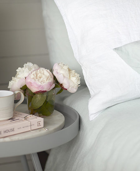 The Ultimate Checklist for the Best Guestroom