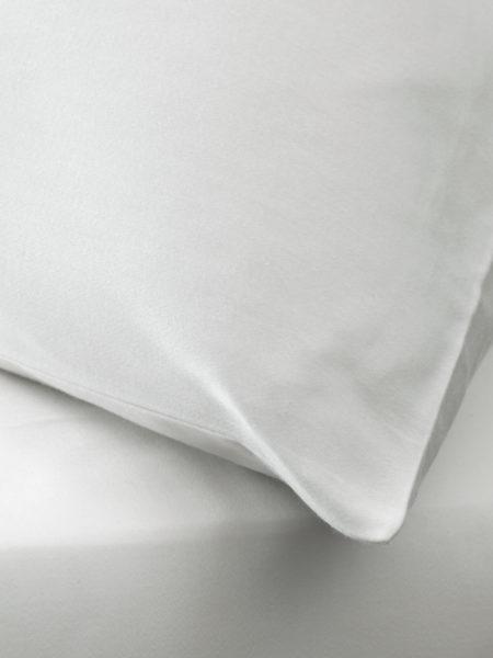 Essential Ivory Pillowcase