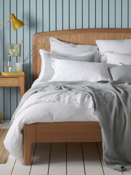 White 100% Linen Bed Linen