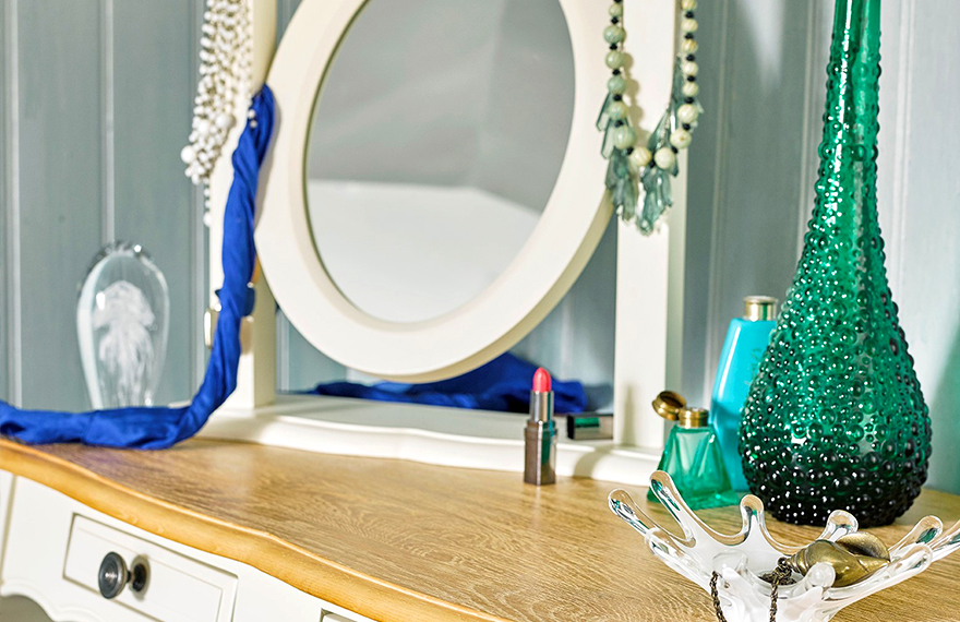 Choosing a Dressing Table Mirror